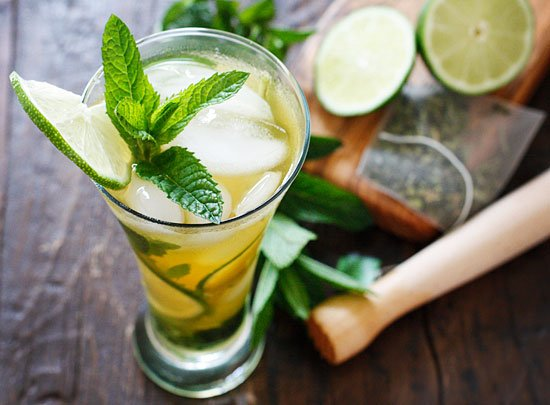 Dr. Mencinicopschi:,,Bea ceai verde pentru hidratarea organismului,,