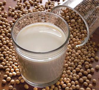 Lapte de soia  – tine departe diabetul si cancerul cu laptele de soia
