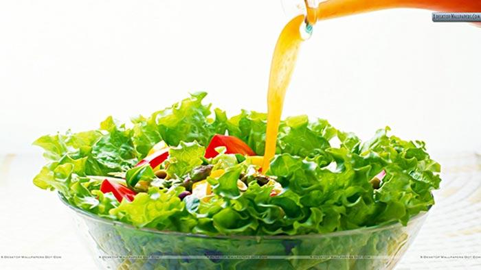 Zece sfaturi pentru a prepara salate sanatoase
