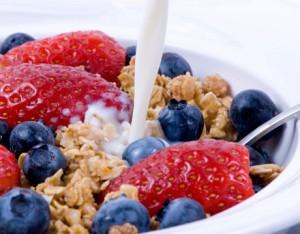 lactate cereale fructe la micul dejun sanatos