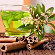 Ceaiul verde intarzie îmbătrânirea tenului