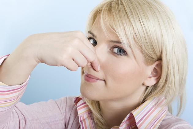 Mirosul urât de transpiraţie indică existenţa unor boli endocrine