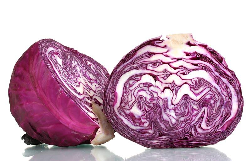 6 motive sa mananci o salata din VARZA ROSIE