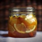 Bautura cu lamaie, ghimbir, miere si scortisoara care previne bolile tiroidiene