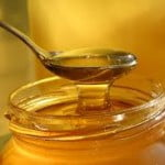 Dreptul la rectificare: Producatorul de miere Apicola Costache contesta raportul ROMAPIS asupra calitatii mierii din supermarketuri