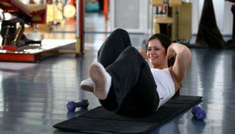 Cum să dai burta jos. Exerciții pentru bărbați și femei de făcut acasă, fără instructor